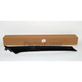 Накладка лобового стекла LH черная LR050767, LR027327, LR046654