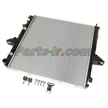 Радиатор системы охлаждения LR021777
