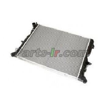 Радиатор системы охлаждения LR021778