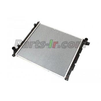 Радиатор системы охлаждения LR010964