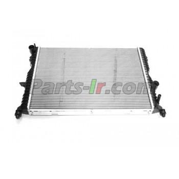 Радиатор системы охлаждения LR022741